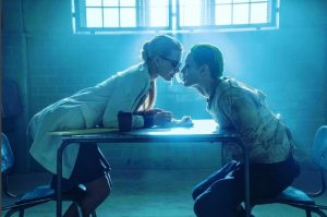 the joker and harley kiss